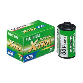 Fuji Superia 400 X-TRA Negativ Farbfilm 135/36 Kleinbildfilm (MHD 02/2024)